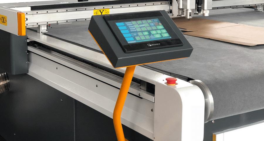CNC Steuerung für Schneidanlage
