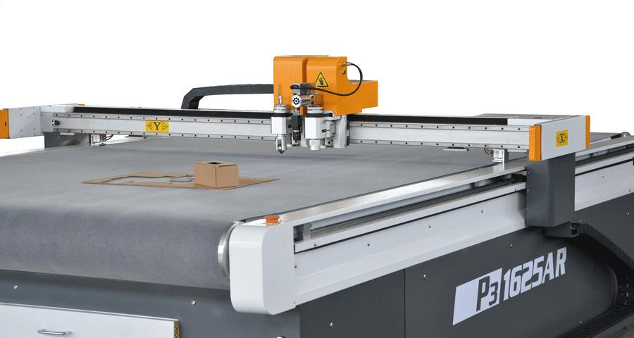 Kartonbearbeitung mit CNC Schneidanlage