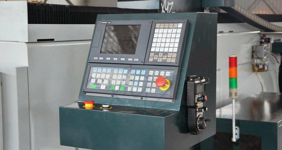 CNC Steuerung einer XYZCAM P6
