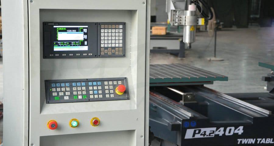 CNC Steuerung einer XYZCAM P4 Portalfräse