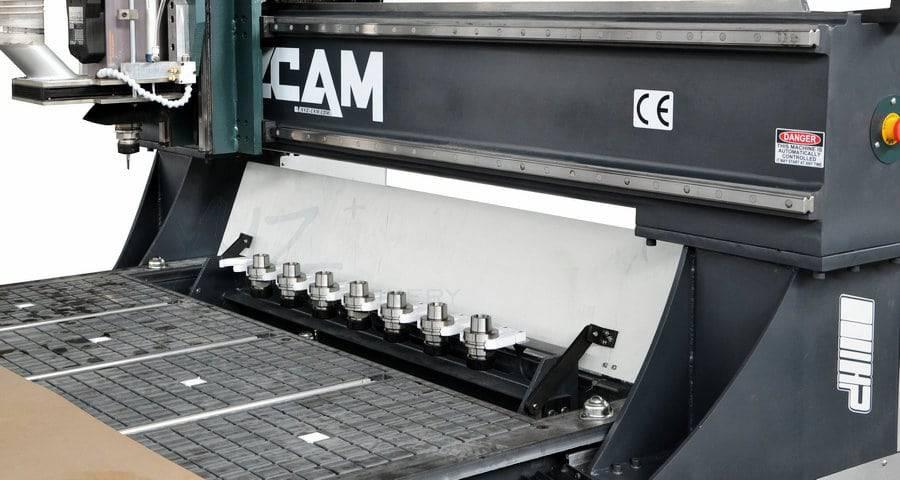 Werkzeugwechsler bei einer XYZCAM P2HP Portalfräsmaschine