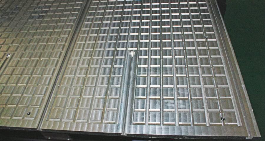 Arbeitstisch aus Aluminium